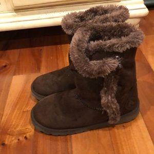 Girls Size 2 Airwalk Cozy Boots 🥾